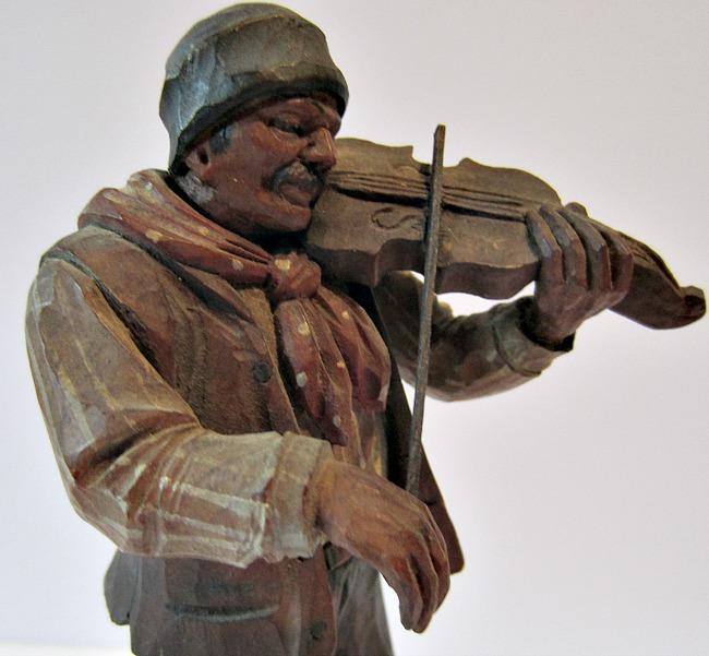 Caron Fiddler. Detail.