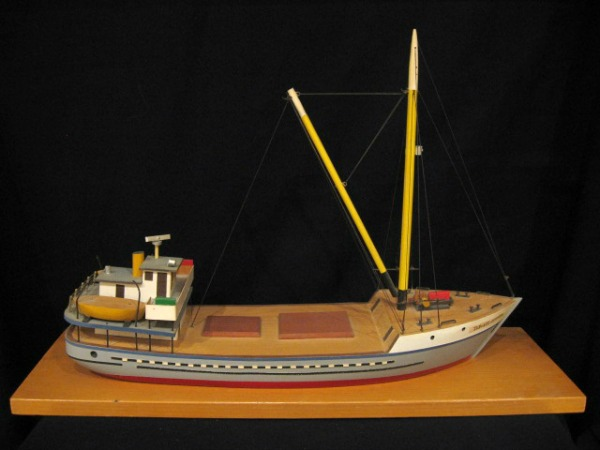 Yves Lachance, L'Islet-sur-Mer, Quebec. Boat Model carving.
